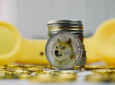 Dogecoin vuelve a caer hasta un 20%
