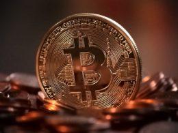 El gobernador del Banco Central de México afirma que Bitcoin no es dinero real